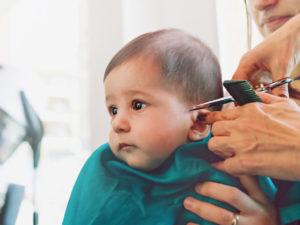 Обязательно ли в год стричь ребенка