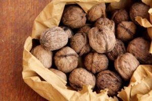 Можно ли при кормлении грудью грецкие орехи?