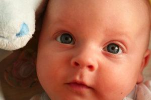 Цвет глаз у новорожденного темно серый