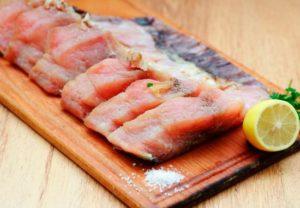 Можно ли при гв рыбу соленую?