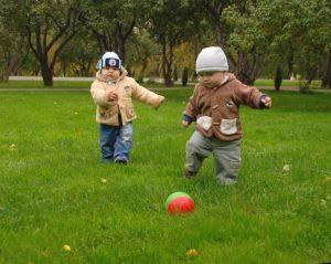Игры с мячиком для малышей
