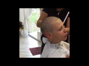 Как подстричь девочку налысо?
