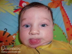 Текут слюни у трехмесячного ребенка