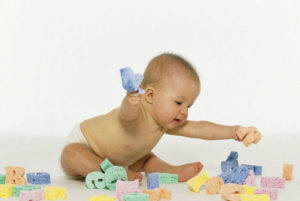 Развиваем малыша до года