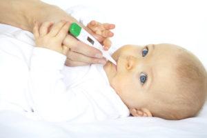 Как новорожденному ребенку мерить температуру?