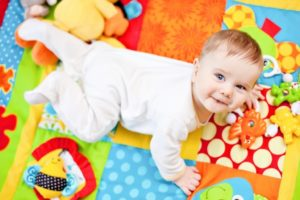 Развивающие игры ребенка до года по месяцам