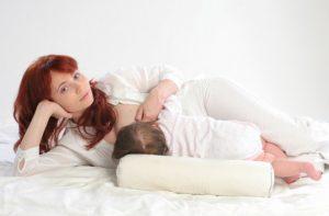 Позы для кормления грудью ребенка