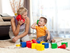 Как играть с малышами?