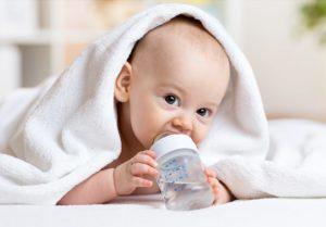 Можно ли новорожденным пить воду?