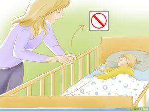 Как приучит ребенка спать в кроватке?