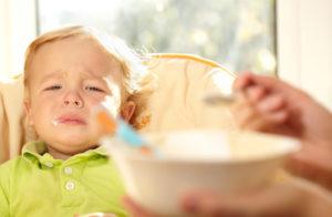 Надо ли ребенка заставлять есть