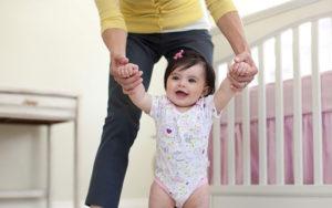 Ребенок боится самостоятельно ходить