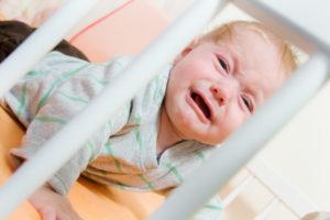 Что делать если не спит новорожденный ребенок?