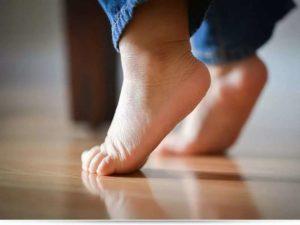 Ребенку 6 месяцев ходит на цыпочках