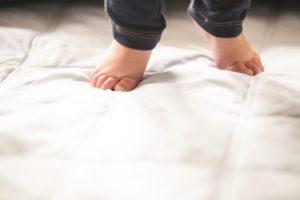 Если ребенок ходит на носочках что делать