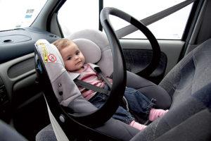Можно ли перевозить автолюльку на переднем сидении?