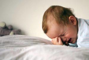 Ребенок во сне плачет что делать