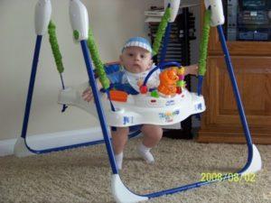 Прыгунки для детей со скольки месяцев