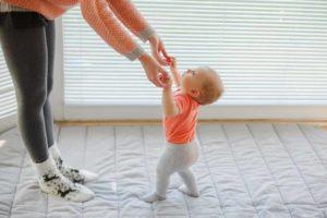 Как учится ходить ребенок?