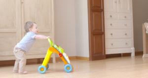 Как научить ребенка быстро ходить самостоятельно?