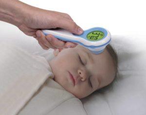Как новорожденному ребенку измерить температуру?