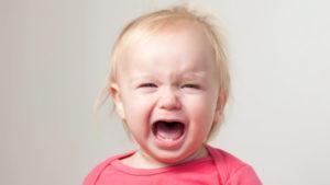 10 месяцев ребенок капризничает