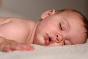 Как отучить ребенка 4 месяца от рук?